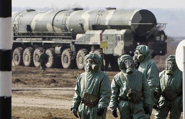 Rusia alista sus tropas para un ataque químico o nuclear