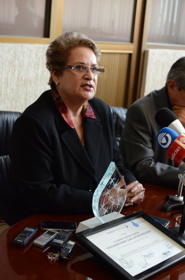 Se entrega premio Safoni-Pasteur a enfermera de Aguascalientes